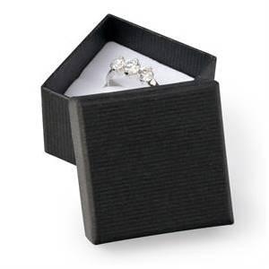 Malá dárková krabička na prsten - černá