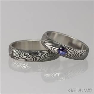 Snubní prsteny Damasteel Prima Safír - pár - KS1054