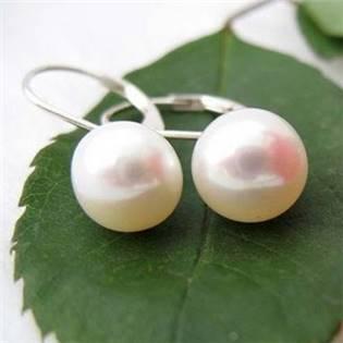 Perlové náušnice z říčních perel