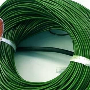 Kožená šňůrka kulatá zelená, tl. 2 mm