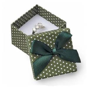 Malá dárková krabička na prsten zelená - bílé puntíky