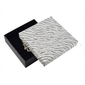 Krabička na soupravu šperků, stříbrná zebrovaná