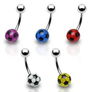 Piercing do pupíku - fotbalový míč