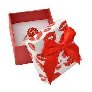 Dárková krabička na prsten, pusinky