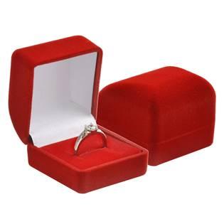 Červená semišová dárková krabička na prsten