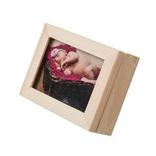 Dřevěná krabička na fotografie s proskleným víčkem